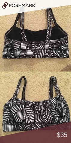 Black and white patterned lulu bra with pads Size 4 brand new never worn includes removable padding lululemon athletica Tops