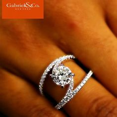 Introducing Gabriel's exclusive Nova Remount engagement ring, designed so that the diamond center stone can be reset to better reflect your growing love. Discover this gorgeous engagement ring at Gabriel & Co.