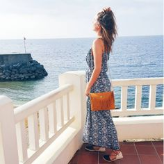 @valoumodeuze is wearing le petit cartel handmade leathergoods PENELOPPE bag for a boholook perfect for this Summer