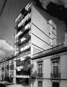 Edificio Copenhague 1957  Col. Juárez. México D.F.  Arq. Ramón Torres y Arq. Héctor Velázquez