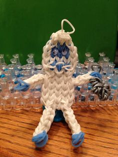 By Donna Lorber. Rainbow Loom Fans. See on Rainbow Loom Obsession FB page. The ABOMINABLE SNOWMAN.