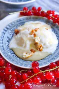 Frozen Yogurt mit Milchmädchencreme und karamellisierten Cashewnüssen Rezept von KochzereMoni