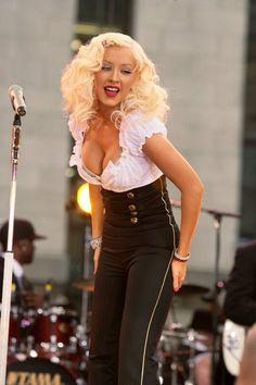 Beautiful Celebrities, Beautiful Women, Most Beautiful, Beautiful Christina, Actrices Sexy, Celebrity Moms, Celebrity Style, Female Singers, American Singers