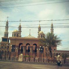 Islamic Center Samarinda Kalimantan Indonesia Islamic Center, Islamic Architecture, Life Is A Journey, Mosques, Borneo, Bellisima, Taj Mahal, Building, Travel