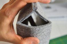 Felt Bag - Simple Sewing Tutorial - Her Crochet Bag Pattern Free, Wallet Pattern, Felt Crafts Diy, Felt Diy, Felt Purse, Felt Bags, Diy Bags Patterns, Free Crochet Bag, Diy Bags Purses