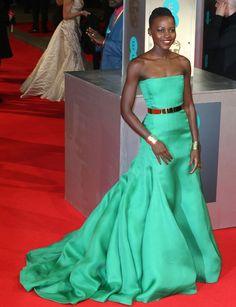 Lupita Nyong'o http://www.marie-claire.es/moda/look/fotos/premios-bafta-2014-alfombra-roja/lupita-nyong-o-1
