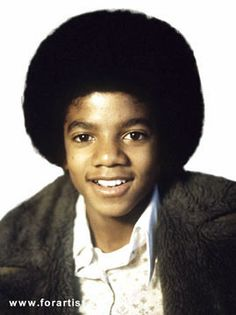 Michael Jackson - An Age Progression Study (if he had had no plastic surgery)... Fascinating! Photo of when he was young.  Photo 1 of 3