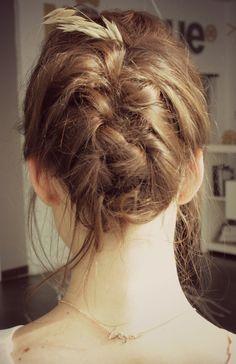 www.marysue.es Pearl Earrings, Dreadlocks, Hair Styles, Beauty, Fashion, Scissors, Fairy, Hair Plait Styles, Moda