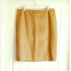 Merona Khaki Skirt This Merona khaki pencil skirt is a must have for every woman's wardrobe! Perfect for the work week and can be styled with just about anything! Pair this with a bib collared black button down and black flats! ✨BRAND NEW, NEVER WORN! STILL HAS TAGS✨ Merona Skirts Pencil