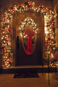 Christmas Front Door.  This is just gorgeous!  Add a blanket of snow and you have visual heaven!