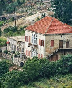 Douma Liban Architecture, Cottage, Lebanon, Phoenicia, Traditional Architecture, Building, House Styles, Old Houses, Mountain Homes