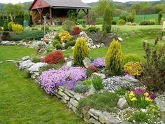 Zahrada 2017 - Album uživatelky lena8 | Modrastrecha.cz Rock Mulch, Porch Garden, Flower Beds, Decoration, Garden Inspiration, Outdoor Decor, Outdoor Ideas, Yard, Flowers