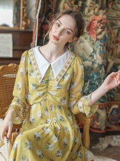 Maternity Fashion Dresses, Modest Fashion, Vintage Summer Outfits, Vintage Dresses, Stunning Dresses, Nice Dresses, 1960s Fashion, Vintage Fashion, Frock For Women