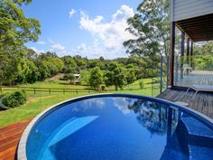 Want to install a plunge pool at your home or farmhouse? Our manufacturers deliver quality concrete plunge pools across Sunshine Coast, Brisbane, Gold Coast & Sydney.