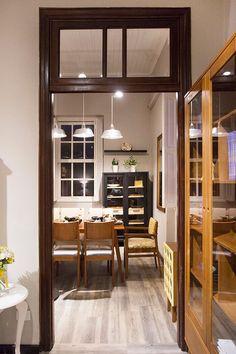 Casa MMM em Curitiba Paraná! Passagem da sala de estar para a sala de jantar da Casa MMM.