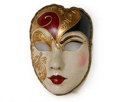 Volto con sopracciglio - Mask Maschera realizzata interamente a mano in cartapesta. Finemente decorata con stucco e colori acrili: ricca di particolari, con un contorno dal taglio originale e moderno, arricchita dalla tecnica ...