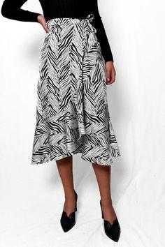 Φούστα μίντι wrap σατινέ ασπρόμαυρο SKI023 Vintage Skirt, Midi Skirt, Black And White, Pictures, Skirts, Clothes, Outfits, Fashion, Photos
