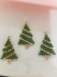 Christmas Tree Earrings, Crochet Christmas Ornaments, Beaded Ornaments, Christmas Jewelry, Christmas Crafts, Christmas Sewing, Xmas, Pony Bead Patterns, Beading Patterns