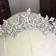 Dress videos Handcrafted Swarovski Crystal tiara crown Stunning with tons of Swarovski Crystals in a unique leaf style Bridal Crown, Bridal Tiara, Wedding Jewelry, Swarovski Jewelry, Swarovski Crystals, Wedding Tiaras, Crystal Crown, Crown Hairstyles, Fantasy Jewelry