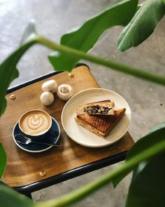 New cafes sprouting all over Singapore has caught on to the Insta-action. Arm yourself with this list of beautiful cafes in Singapore to up your 'gram game! Korean Dessert Cafe, Onsen Egg, Red Bean Paste, News Cafe, Cafe Food, Coffee Latte, Something Sweet, Drinking Tea, Street Food