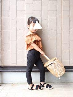 定番黒スキニー♡ かなり伸びて、動きやすそうです◎ 身長 97cm pants size100 ✏︎