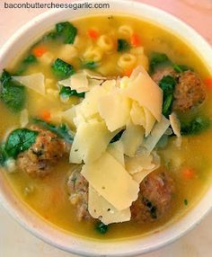 Italian wedding soup Bacon, Butter, Cheese & Garlic: Not Just For Weddings Soup Recipes, Great Recipes, Cooking Recipes, Lunch Recipes, Cooking Tips, Wedding Soup, Soup Kitchen, Soup And Sandwich, Soup And Salad