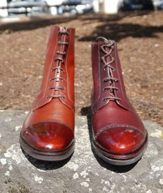 Left Boot with water + Saphir MDO shoe polish Right one with BOOT BLACK HIGH SHINE series