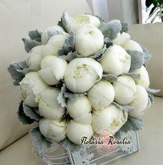 Buchet mireasa bujori albi nunta Rosalia Iasi