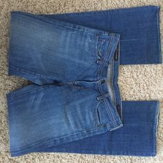 """Citizens of Humanity Citizens of humanity style is Ingrid #002 low waist flare stretch. Size 29 with a 33"""" inseam Citizens of Humanity Jeans Flare & Wide Leg"""