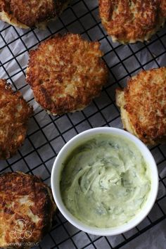 These kohlrabi fritters are moist and tender on the inside and delightfully crispy on the outside. And the dill + lemon combination in the creamy avocado sauce? SO GOOD.