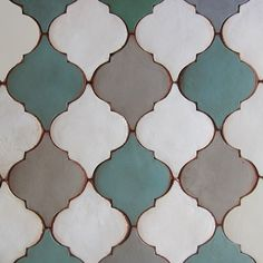 Tabarka has been creating beautiful terra-cotta tiles one piece at a time for over 10 years. Backsplash Arabesque, Arabesque Tile, Arabesque Pattern, Kitchen Backsplash, Tabarka Tile, Mosaic Tiles, House Tiles, Terra Cotta, Tile Patterns
