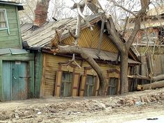 Russia, casa em ruinas