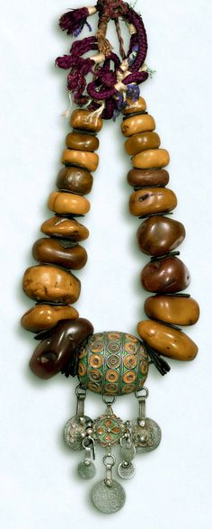 large amber with enamelled taguamounts egg