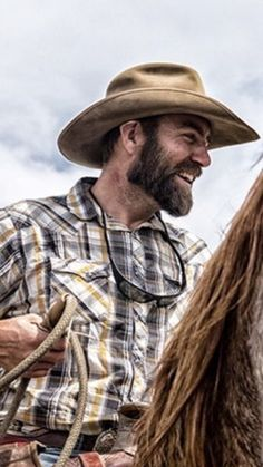 Beard And Mustache Styles, Beard No Mustache, Hair And Beard Styles, Hot Country Men, Country Boys, Hairy Men, Bearded Men, Beard Suit, Chapeau Cowboy
