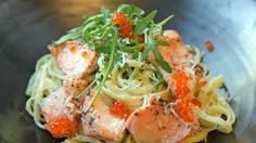 Kremet pasta med laks Fish And Seafood, Wine Recipes, Food Inspiration, Risotto, Nom Nom, Main Dishes, Spaghetti, Food And Drink, Pasta