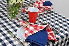 "Amazon.co.jp: [デザインインポート] DII テーブルクロス 100% コットン ブルー ギンガムチェック Machine Washable Tablecloth Nautical Blue Check 60 x 84""【並行輸入品】: ホーム&キッチン"