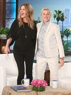 Julia Roberts' Onstage Cameo at Taylor Swift's 1989 Tour Took Her by Surprise: 'I Had About Five Minutes' Notice' http://www.people.com/article/julia-roberts-talks-joining-taylor-swift-onstage