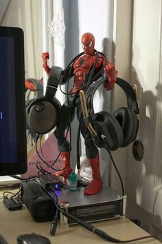 Skullcandy Headphones, Diy Headphones, Cordless Headphones, Diy Headphone Stand, Headphone Holder, Headphone Splitter, Headphone Storage, Cool Diy, Boy Room