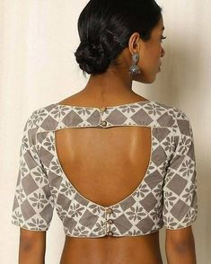 Trendy and Stylish blouse back neck designs Sarees are a go to attire for every Indian woman. We all look … Simple Blouse Designs, Blouse Back Neck Designs, Choli Designs, Stylish Blouse Design, Designer Blouse Patterns, Fancy Blouse Designs, Cotton Saree Blouse Designs, Skirt Patterns, Coat Patterns