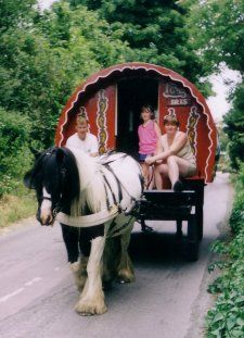 Google Image Result for http://www.whitehorsegypsycaravans.co.uk/images/gypsy_caravan_main.jpg