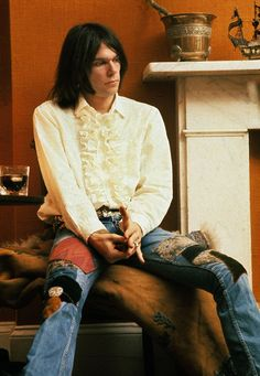 """Agnes on Twitter: """"Neil Young, 1970.… """" Neil Young, Music Icon, My Music, Music Life, Music Guitar, Beatles, Photo Rock, Blue Soul, Puffy Shirt"""