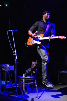 Robert Randolph, usually jams the peddle steel but anything with strings will do. #guitarists #blues #gospel http://www.pinterest.com/TheHitman14/musician-guitarists-%2B/
