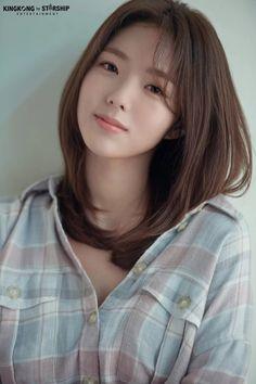 Cute Girl Pic, Cute Girls, Korean Beauty, Asian Beauty, Chae Soobin, Fresh Makeup Look, Korean Girl Photo, Manicure E Pedicure, Korean Actresses