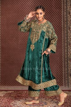 Beautiful Dress Designs, Stylish Dress Designs, Designs For Dresses, Stylish Dresses, Beautiful Dresses, Pakistani Dress Design, Pakistani Dresses, Velvet Dress Designs, Embroidery Suits Punjabi
