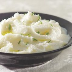 Creamy Mashed Cauliflower - I subbed Greek yogurt for the buttermilk and it was fantastic!