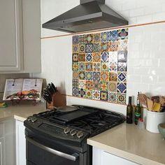 16 Mexican Talavera Tiles handmade Hand painted 4 X Spanish Tile Kitchen, Kitchen Tile, Kitchen Layout, Kitchen Living, Kitchen Design, Kitchen Decor, Mexican Kitchens, Talavera Pottery, Hispanic Kitchen