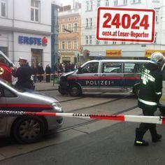 Polizeiautos im 15. Bezirk kollidiert, 9 Verletzte - http://www.oe24.at/oesterreich/chronik/wien/Polizeiautos-krachten-in-Wien-zusammen/59476426