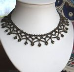 French netted necklace tutorial