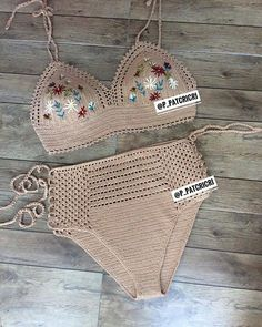 Toque na imagem para ter acesso a gráficos exclusivos - # crochê . Crochet Bra, Crochet Bikini Pattern, Swimsuit Pattern, Crochet Bikini Top, Crochet Clothes, Crochet Bathing Suits, Crochet Patron, Diy Crafts Crochet, Couture