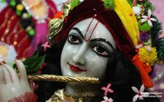 To view Gopinath Close Up Wallpaper of ISKCON Chowpatty in difference sizes visit - http://harekrishnawallpapers.com/sri-gopinath-close-up-wallpaper-105/